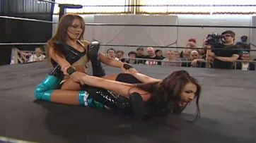 Cheerleader Melissa vs. Jessie McKay