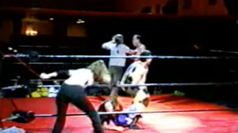 Cheerleader Melissa & Tiffany vs. Vennis DeMarco & Chris Colioni