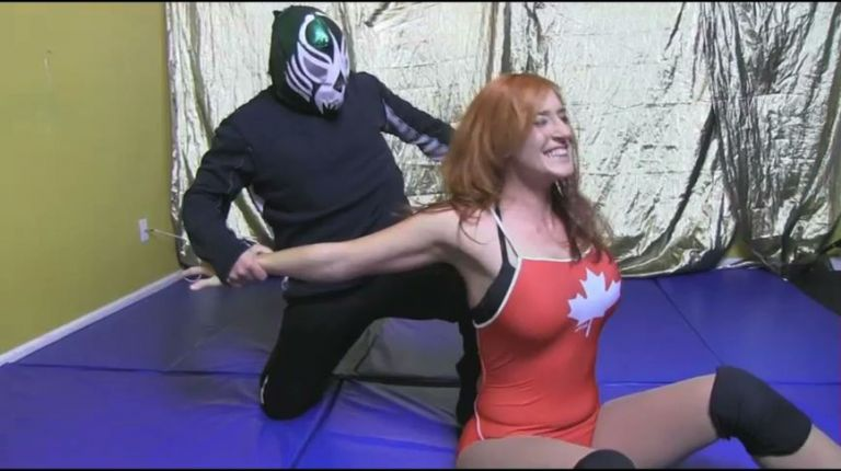 Jessie Belle vs. Mini Machine