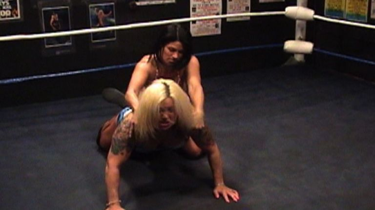 Lady Victoria vs. Traci Brooks