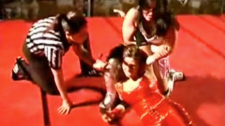 Cheerleader Melissa vs. Tiffany
