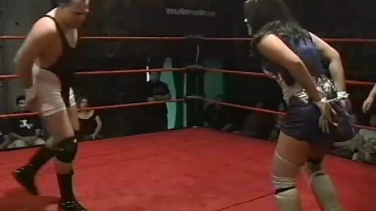 Chris Colioni vs. Cheerleader Melissa