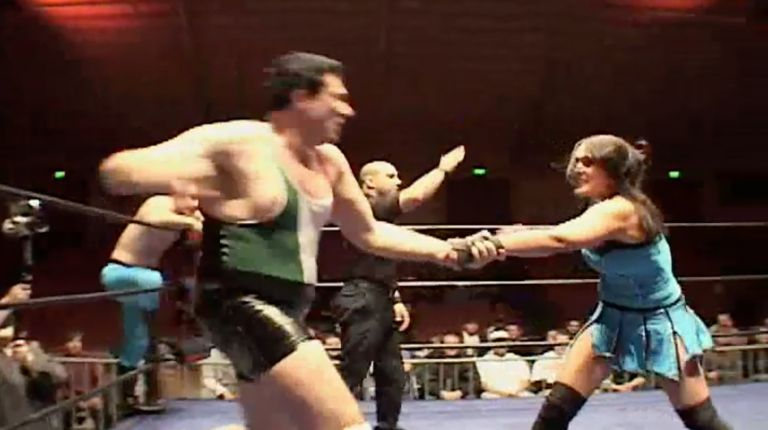 Cheerleader Melissa & Scotty Aboot vs. Vennis DeMarco & Chris Colioni