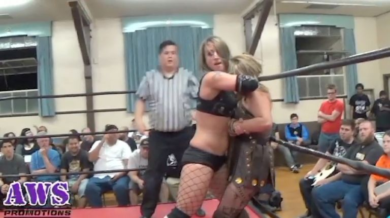 Christina Von Eerie vs. Amazona
