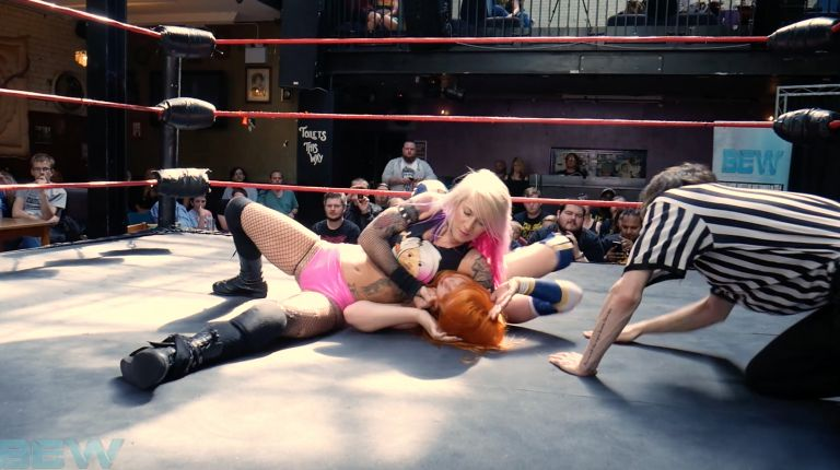 Zoe Lucas vs. Little Miss Roxxy