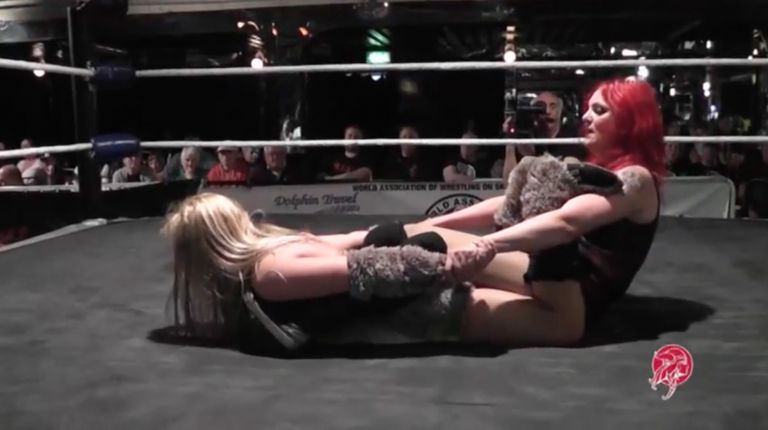 Miss Mina vs. Saraya Knight