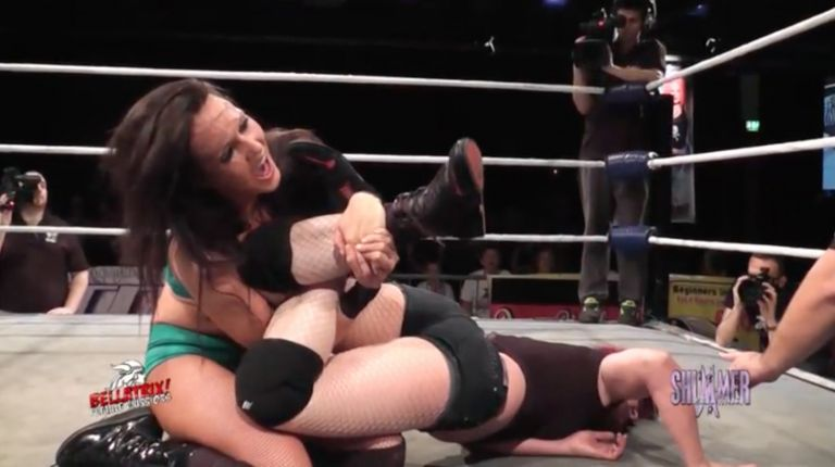 Cheerleader Melissa vs. Saraya Knight