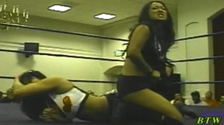 Traci Brooks vs. Gail Kim