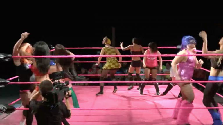 10-Woman Battle Royal