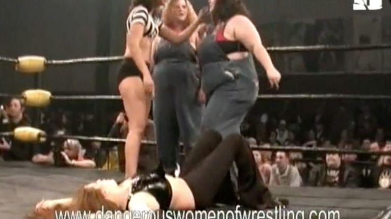 Cristal & Liz Savage vs. Dawn & Elle Mae