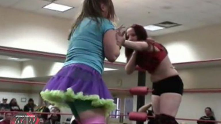 Roxie Cotton vs. Rebecca Payne