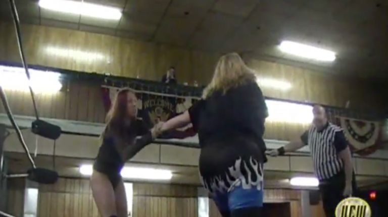 Rebecca Payne vs. Stacy Hunter