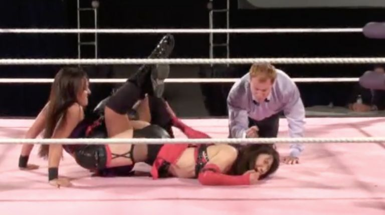 Yumi Ohka vs. Cheerleader Melissa