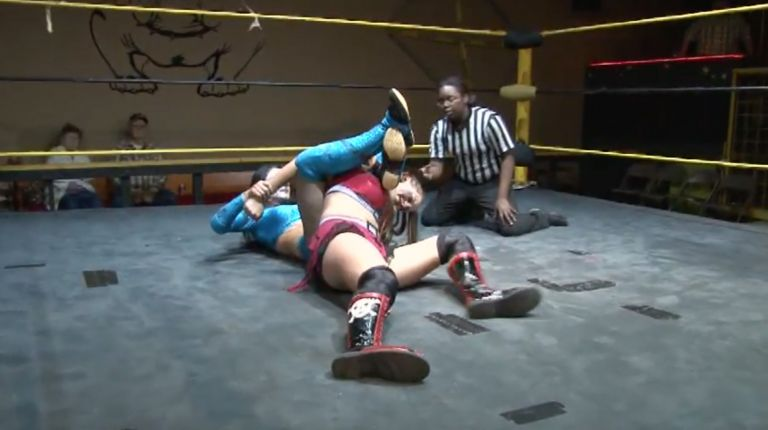 Crazy Mary Dobson vs. Thunder Rosa