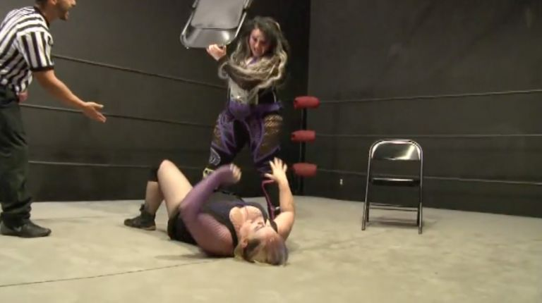 Jessicka Havok vs. Mickie Knuckles
