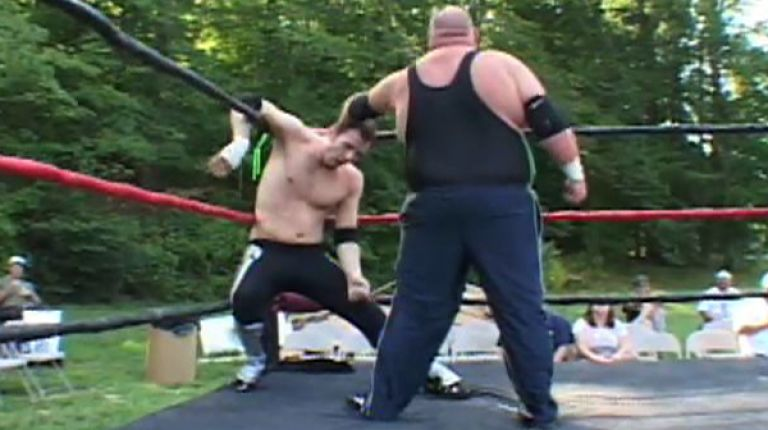 Stephen Saint & Donnie Peppercricket vs. FreakShow