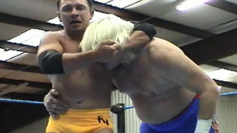 Frankie Valentine vs. Tommy Rich