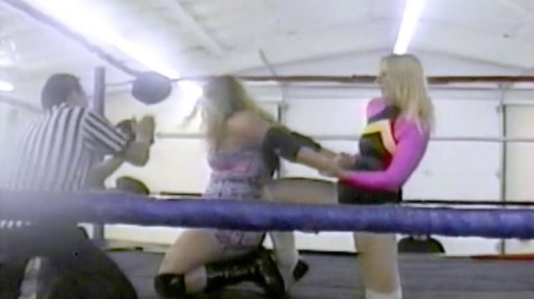 Trixie Heart vs. Kara Kildare