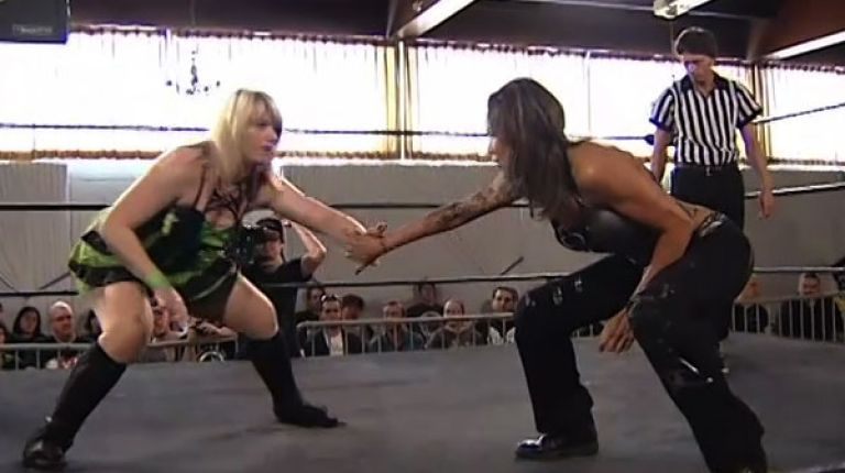 Hailey Hatred vs. Mercedes Martinez