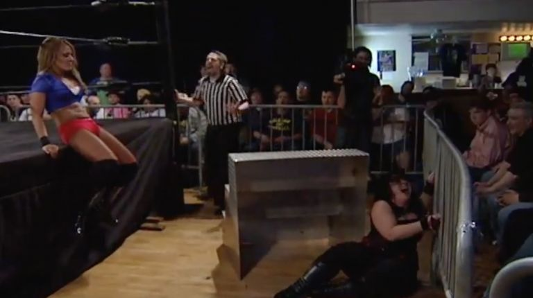 Kalamity vs. Cheerleader Melissa