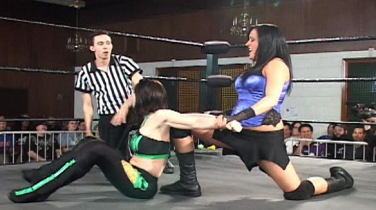 Daffney vs. Melanie Cruise