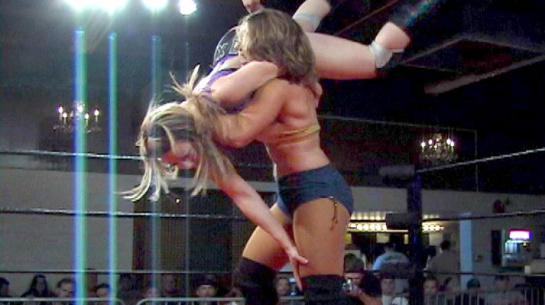 Nikki Roxx vs. Lorelei Lee