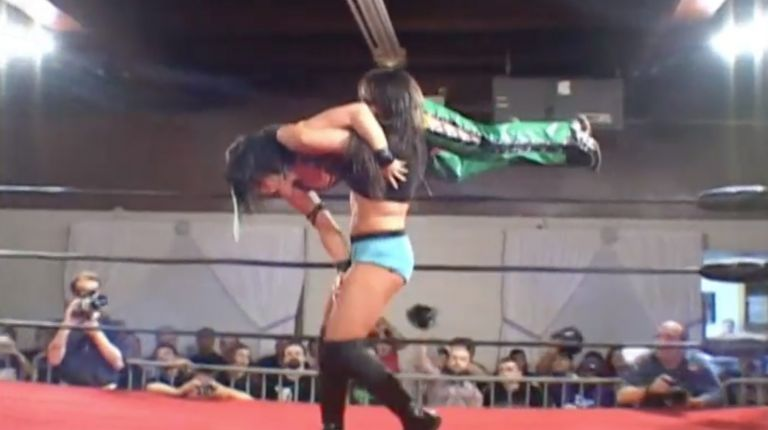 Cheerleader Melissa vs. Tomoka Nakagawa