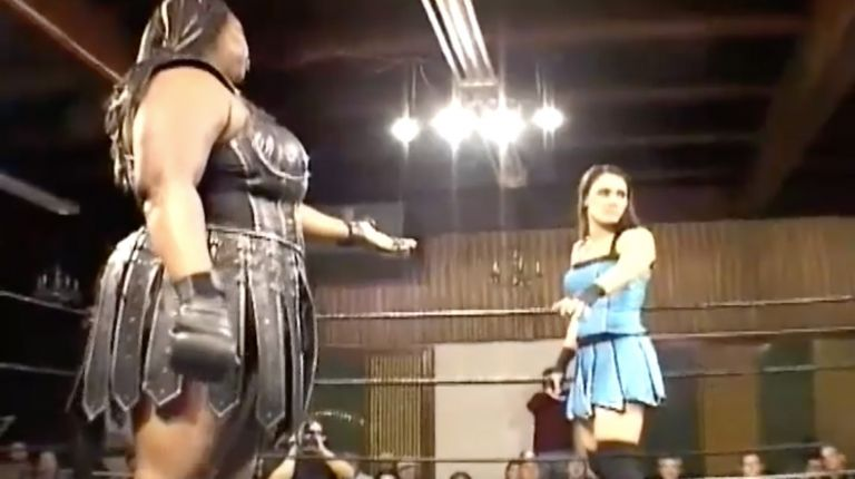 Cheerleader Melissa vs. Amazing Kong