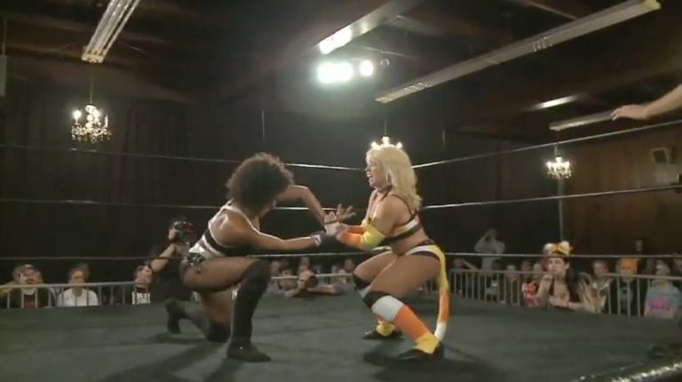 Marti Belle vs. Solo Darling