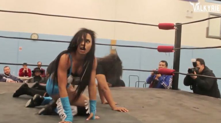 Jessie Brooks vs. Renee Michelle