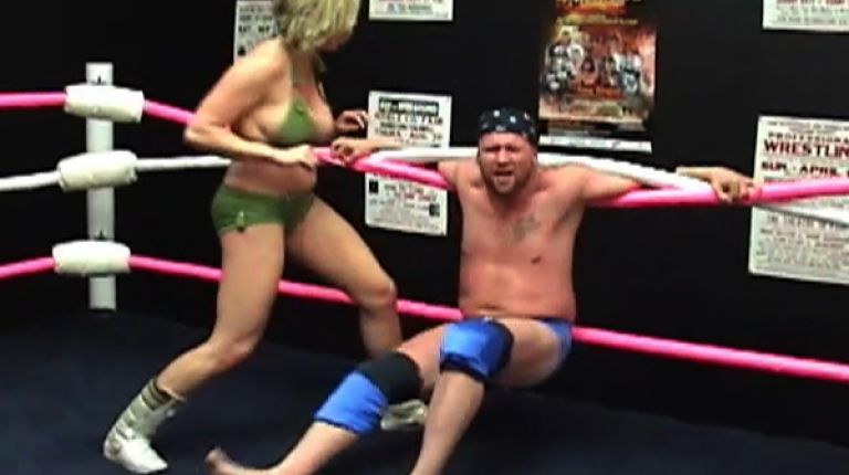 Christie Ricci vs. Cody Hawk