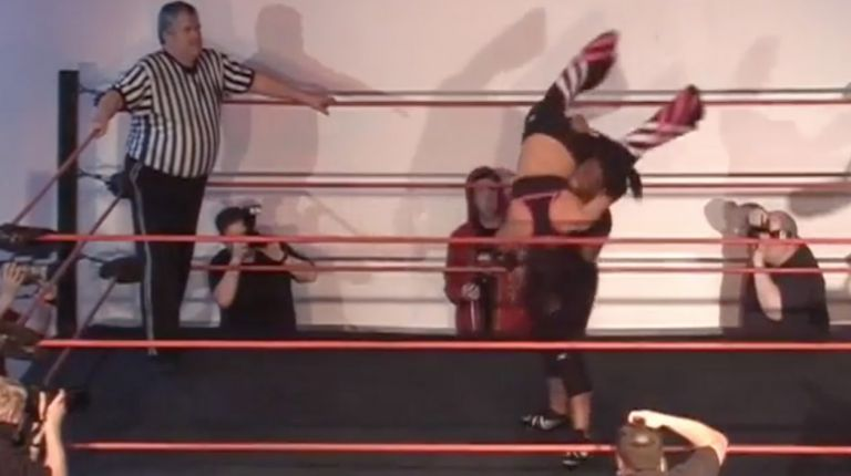 Trixie Lynn vs. Lady Dyvyne