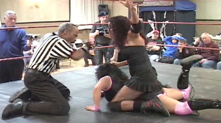 Trixxie Lynn vs. Jennifer Cruz