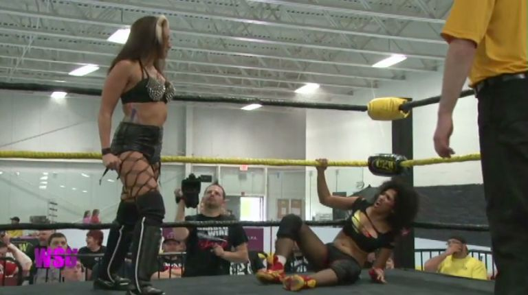 Allysin Kay & Sassy Stephie vs. Marti Belle & Lexxus
