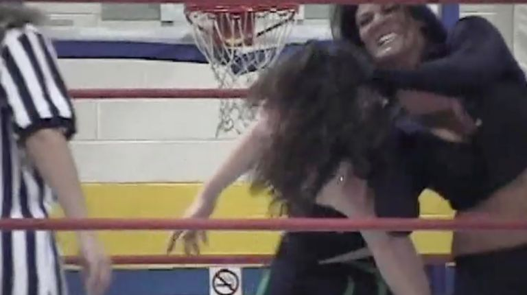 Traci Brooks vs. Nikki Roxx