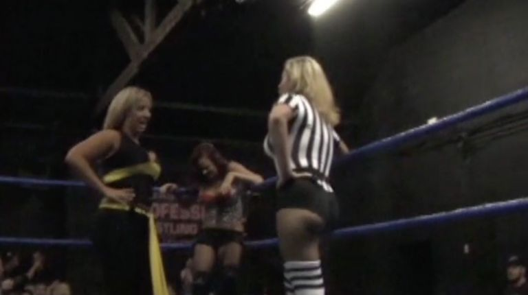 Alicia vs. Christy Hemme