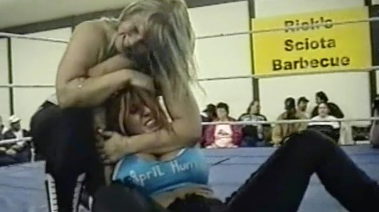 April Hunter vs. Beth Phoenix