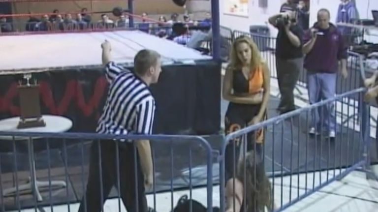 Kacee Carlisle vs. Mercedes Martinez
