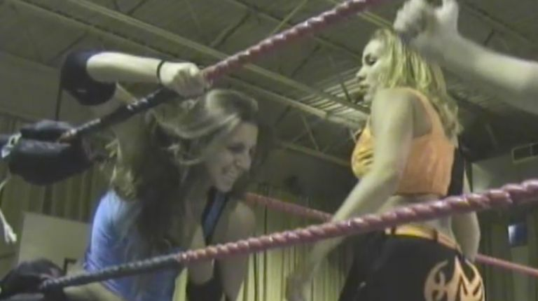Mercedes Martinez vs. Amber